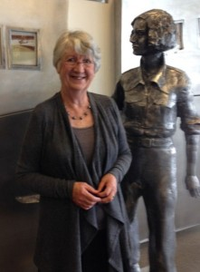 Fiona with the Jean Batten statue at Rotorua airport (Photo: Jill Nicholas)